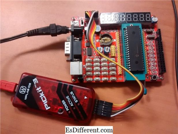 Differenza tra EEPROM e Flash